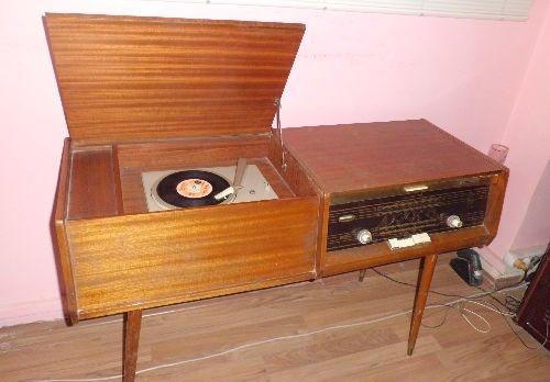 Antika Radyo pikap; çalışıyor
