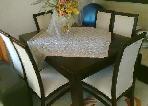 6 aylık ikinci el masa takımı ve sandalyeler