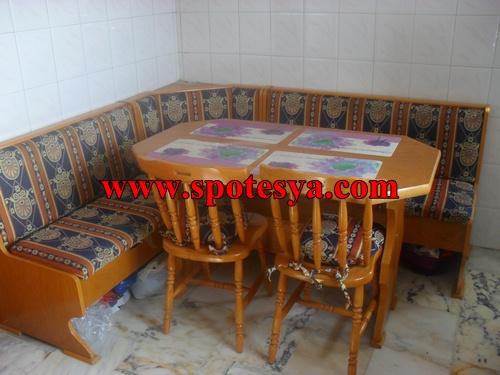 İkinci el köşe mutfak masası 4 adet ahşap sandalye