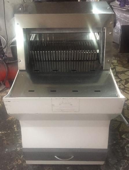 Temiz durumda büyük boy ekmek dilimleme makinesi