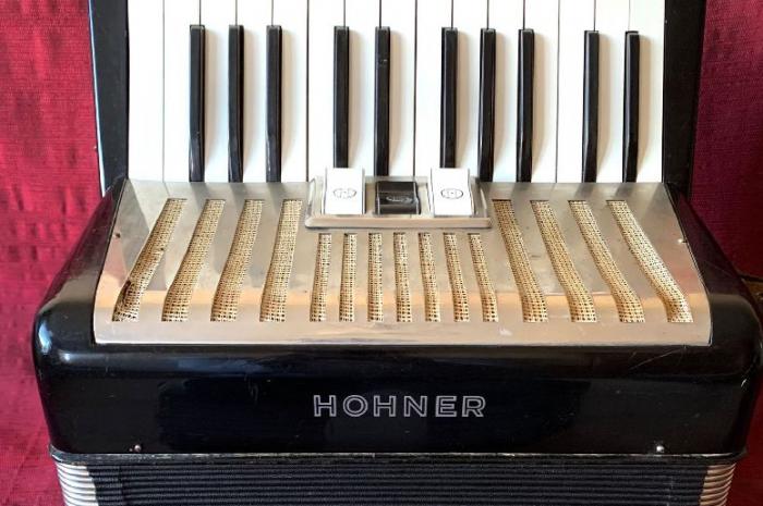 hohner student akordiyon uygun fiyata,temiz 32 bas