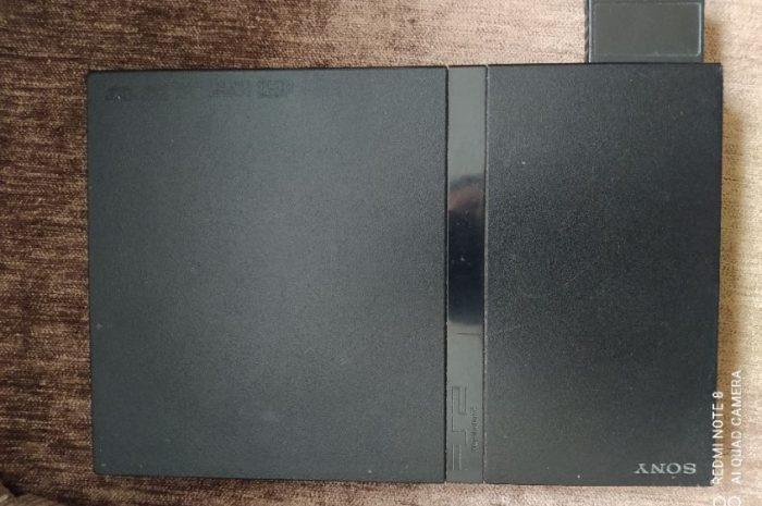 ince kasa ps2 cihaz hard disklidir ve sorunsuz çalışmaktadır